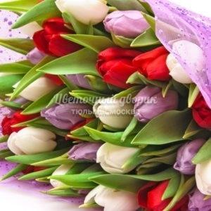 Букет Яркий микс из 25 тюльпанов