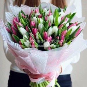 Букет бело-розовый из 49 тюльпанов