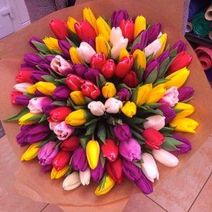 Букет Сочный микс из 101 тюльпана